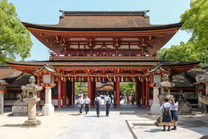 Dazaifu Tenmangū (太宰府天満宮) in Dazaifu, Fukuoka Prefecture, is a shrine popular with students who visit in order to pray for successful studies.