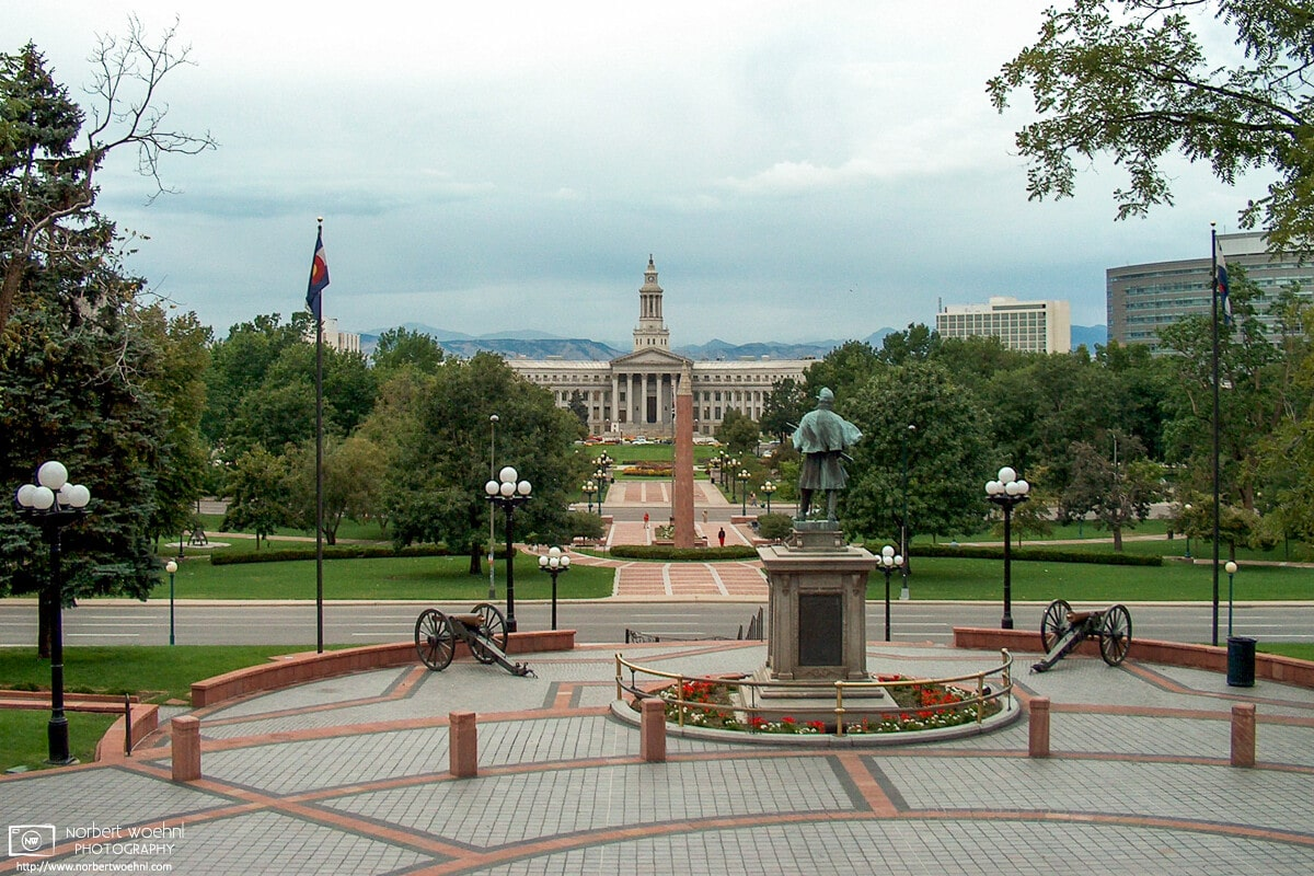 """A view from the 15th step on the west side of the Colorado State Capitol Building at Denver. Some people call this the """"mile-high view"""", as the altitude is exactly 5,280 ft (1.610 m) above sea level."""